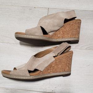 Clark's wedge sandal shoes